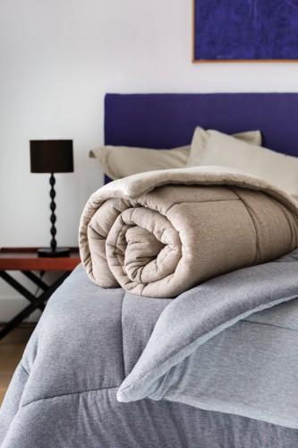 Édredons jetés de lit plaids et dessus de lit matelasses